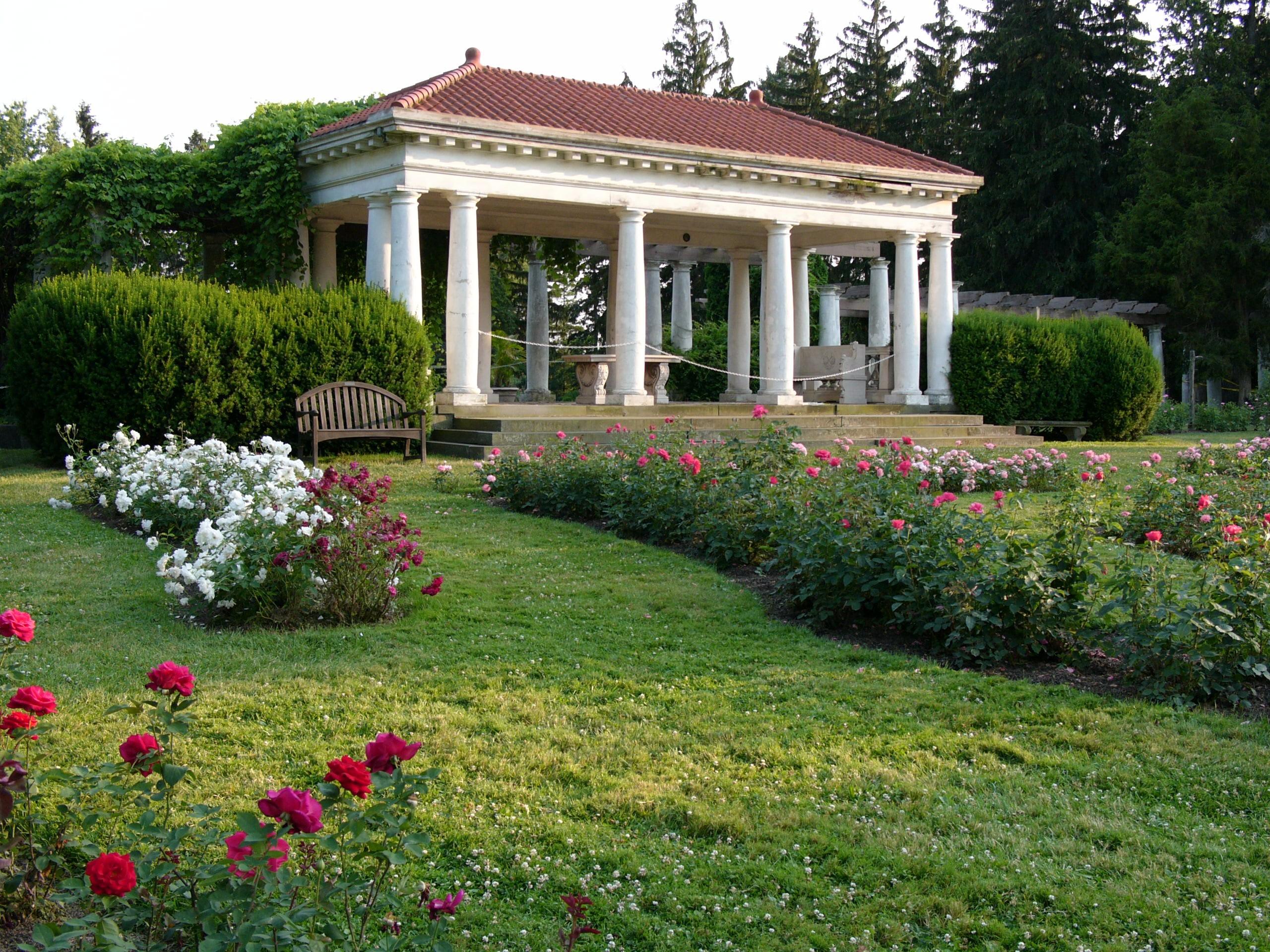 belvedere-overlooking-rose-garden_6685040843_o