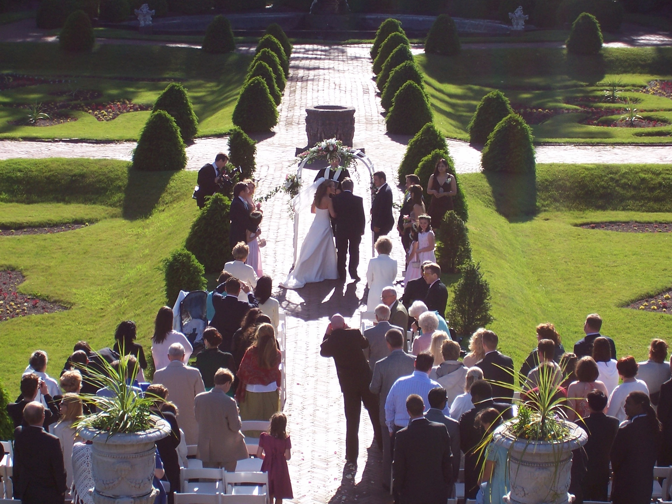 italien-garden-wedding-ceremony_6685018173_o