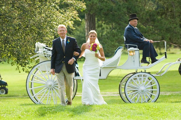 mc-bride-descends-carriage_6686570765_o