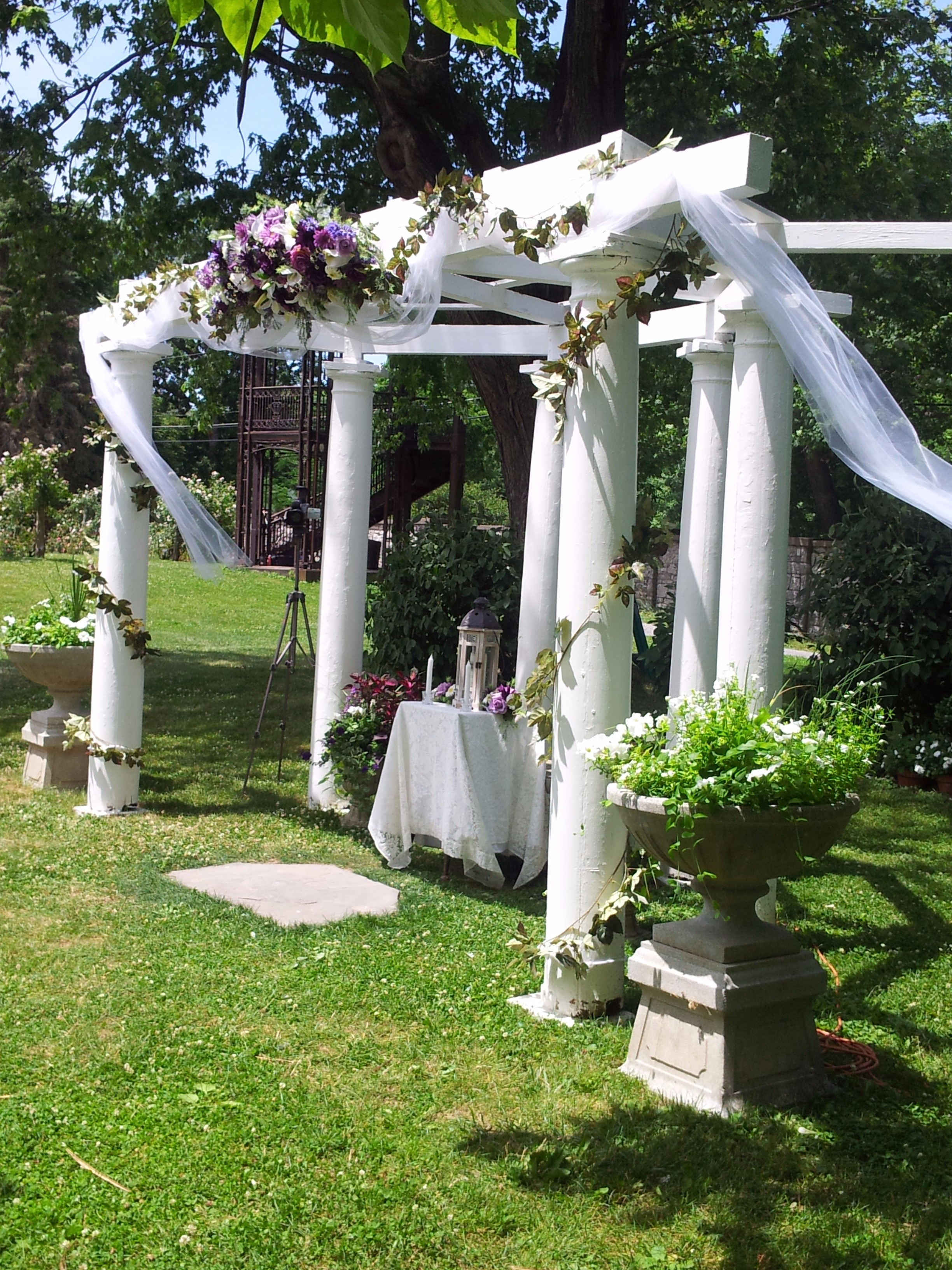 wedding-pergola-decorations_8164815488_o
